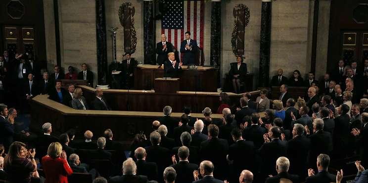 """""""Боже, благослови Америку"""". Первые """"тронные речи"""" Буша, Обамы и Трампа"""