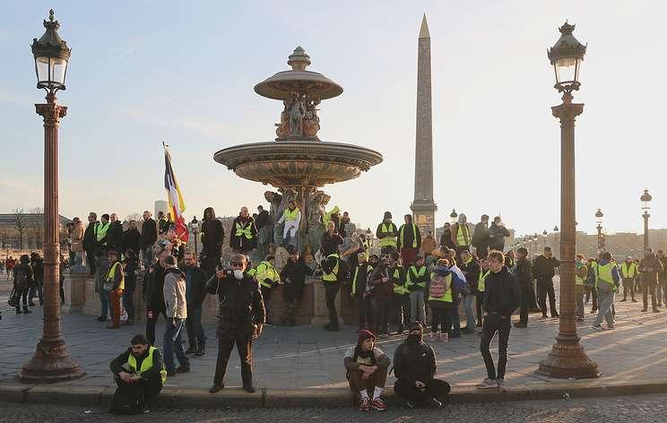 AFP: власти и организаторы манифестации в Париже разошлись в оценке числа участников