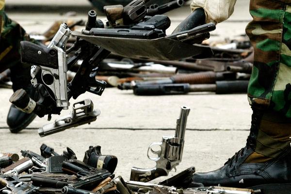 В Венесуэле поборолись с терроризмом и нашли оружие из США