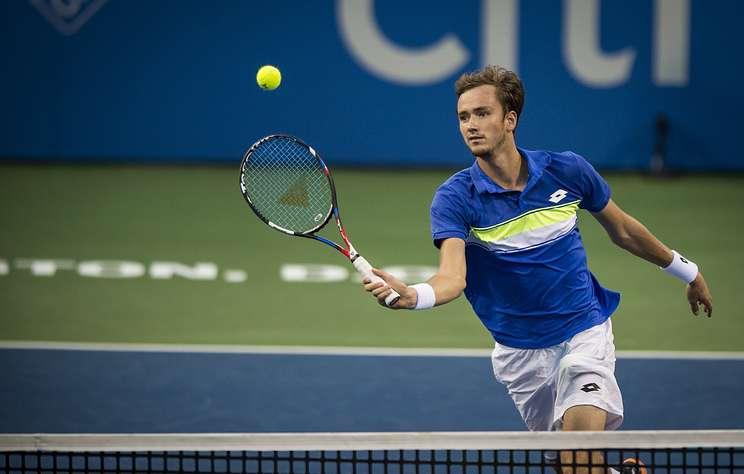 Россиянин Медведев победил на турнире АТР в Софии, обыграв Фучовича