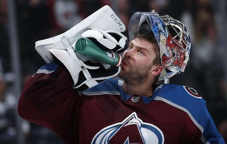 """Колорадо"" в овертайме проиграл ""Бостону"" в матче НХЛ, Варламов отразил 33 броска"