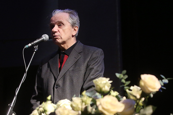 Актер Евгений Стеблов потерял сознание во время похорон Сергея Юрского