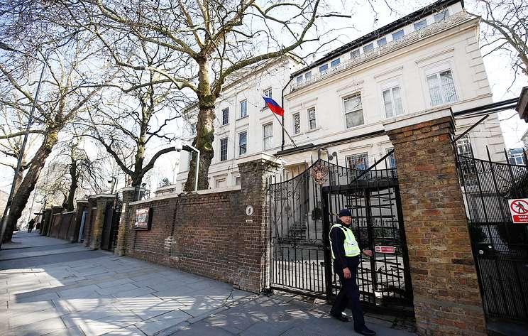 В посольстве России в Лондоне назвали недальновидными слова министра обороны Британии