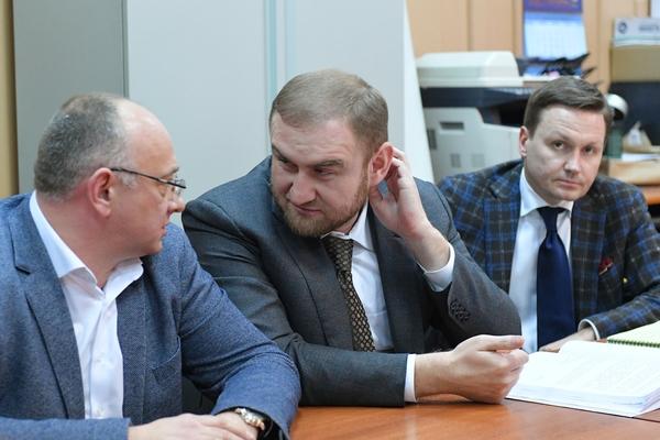 Сенатор Арашуков пожаловался на отсутствие горячей воды в камере