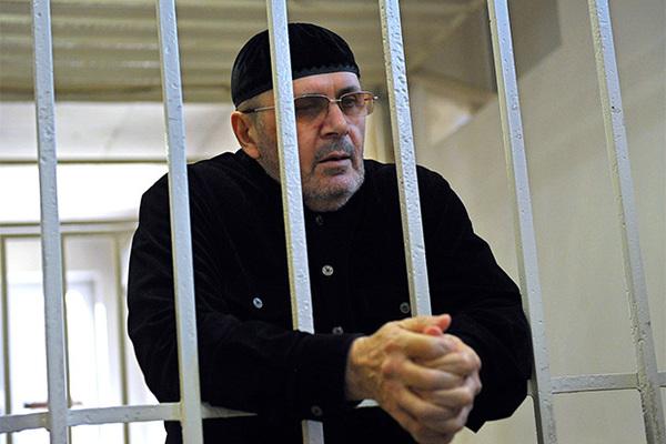 Нашедшего секретные тюрьмы в Чечне правозащитника решили посадить на четыре года