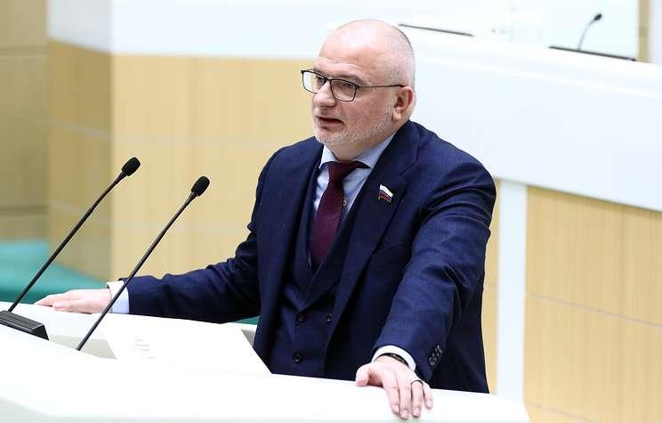 Совфед одобрит законы о фейковых новостях и оскорблении госсимволов 13 марта