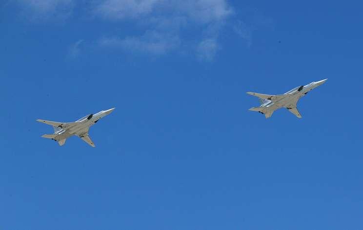 Два Ту-22М3 провели патрулирование над нейтральными водами Черного моря