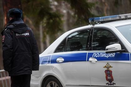 Мигрант прострелил ягодицы посетителю московского кафе