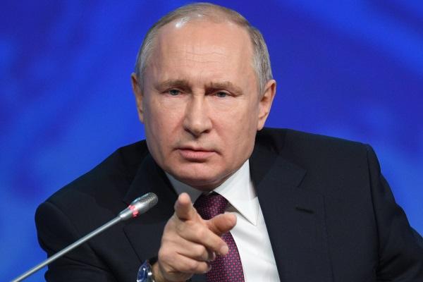 Путин назвал поправившего его переводчика «бандитом»