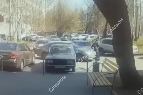 Наезд на полицейского в Москве попал на видео