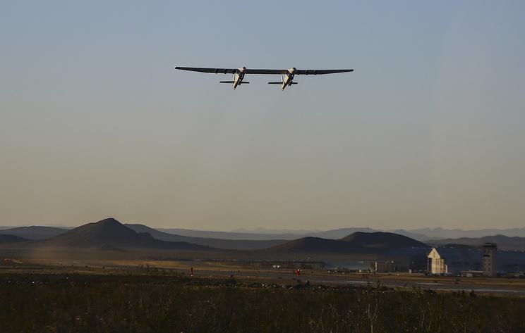 В Stratolaunch Systems раскрыли подробности первого полета крупнейшего в мире самолета