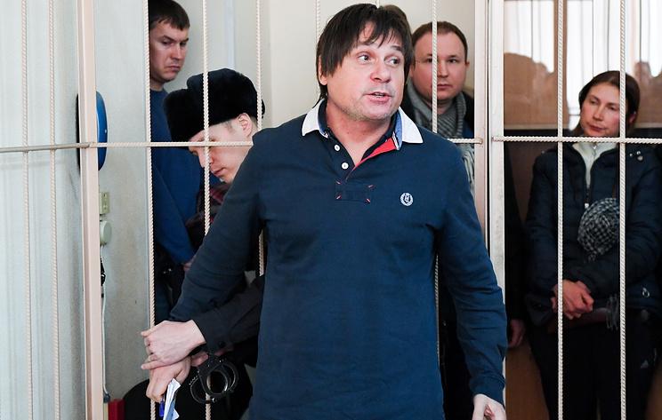Суд в Новосибирске отпустил под домашний арест замглавы медицинского центра им. Мешалкина