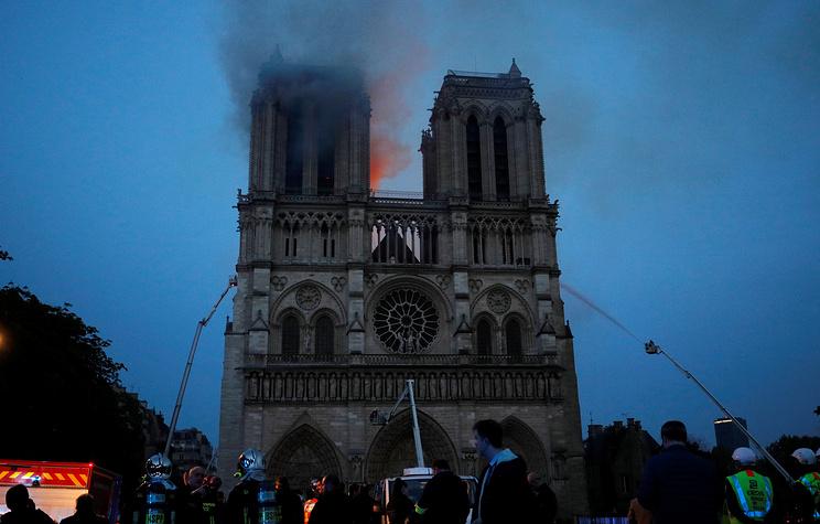 В результате пожара в соборе Парижской Богоматери никто не пострадал