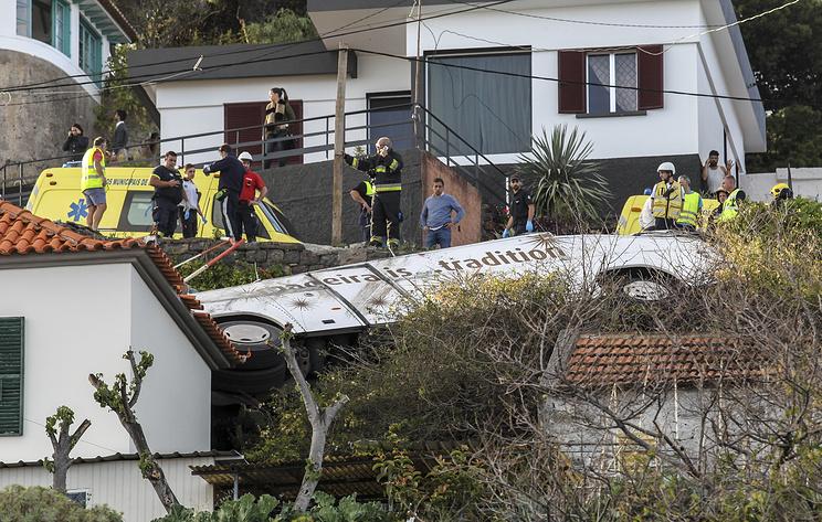 Reuters: при аварии автобуса на острове Мадейра погибли 28 человек