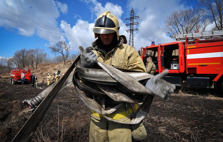 В МЧС сообщили, что в одном из населенных пунктов Забайкалья пока не ликвидировали пожар
