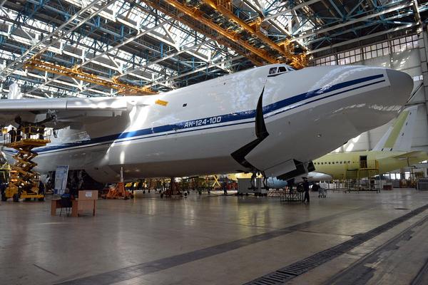 Распотрошенные Россией Ан-124 признали аутсайдерами