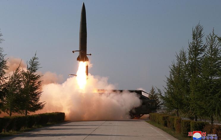 СМИ КНДР опубликовали фотографии учений 9 мая с применением дальнобойных ударных средств