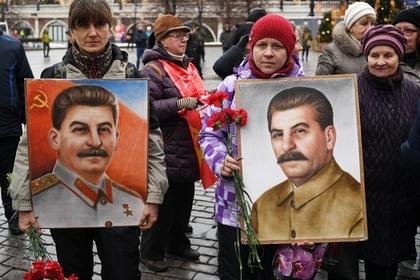 РПЦ призвала не приписывать Сталину победу в войне