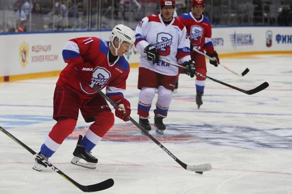 Путин объяснил непобедимость своей команды в хоккее