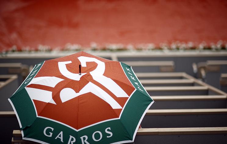 Четыре четвертьфинала Roland Garros перенесены из-за дождя