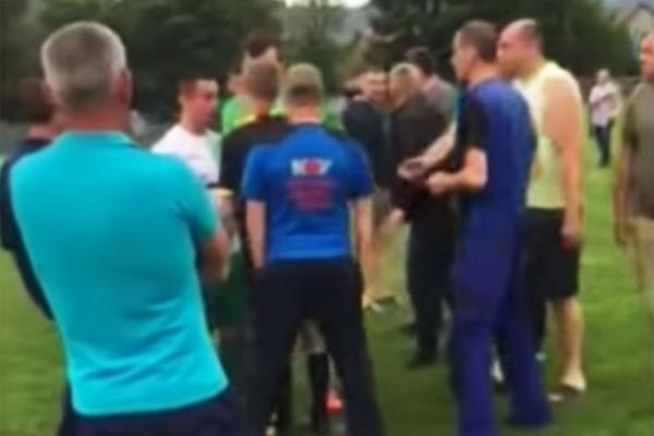На Украине фанаты избили футбольного судью