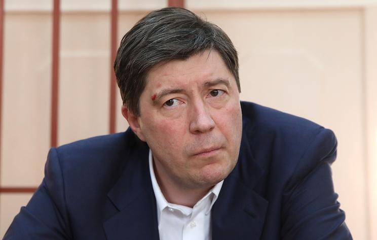 """Суд продлил срок домашнего ареста экс-владельцу банка """"Югра"""" Хотину"""