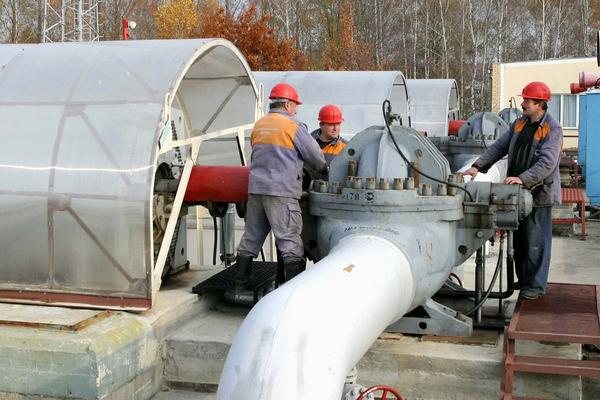 Сотрудников госкомпании связали с крупнейшим нефтяным коллапсом в истории России