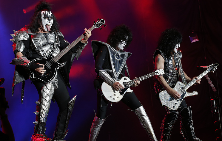 Группа Kiss дала концерт прощального тура в Петербурге