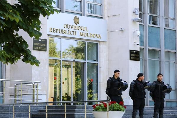 У поддержавших новую власть молдавских полицейских прошли обыски