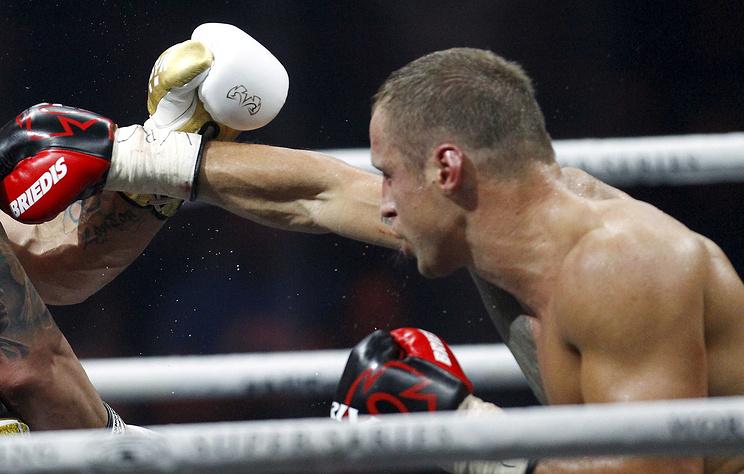 Латвиец Бриедис победил Гловацкого и вышел в финал Всемирной боксерской суперсерии