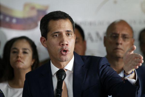 Гуайдо обвинили в воровстве венесуэльских денег для заказа киллеров