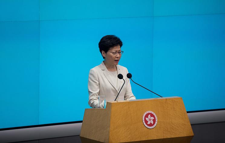 Глава Гонконга отказалась уйти в отставку после массовых протестов
