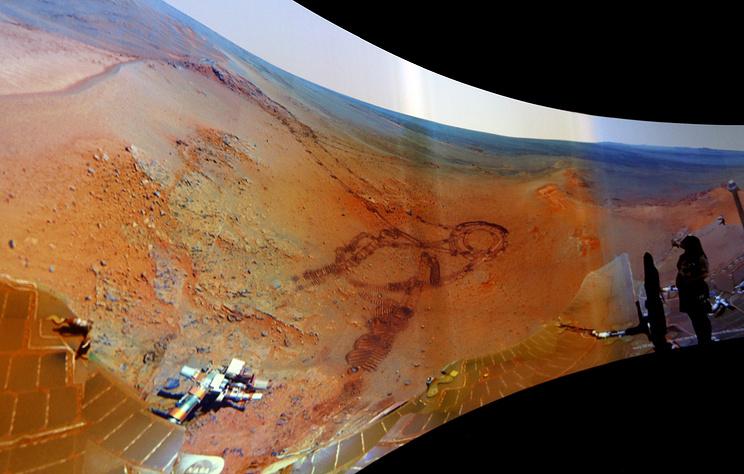 NYT: марсоход Curiosity обнаружил признаки живых микроорганизмов в атмосфере Марса