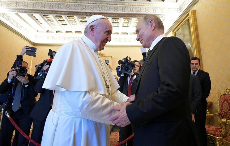 Пустынная площадь Святого Петра и чинность: как Владимир Путин побывал в Ватикане