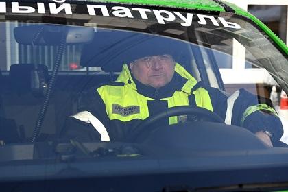Мужчина притворился инспектором и собирал штрафы за парковку