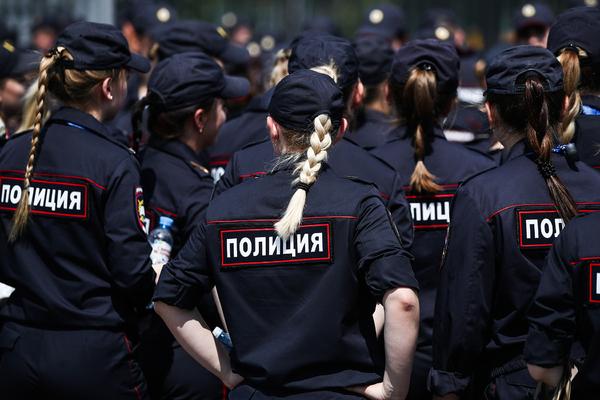 Раскрыты неожиданные способы подработок женщин-полицейских в России