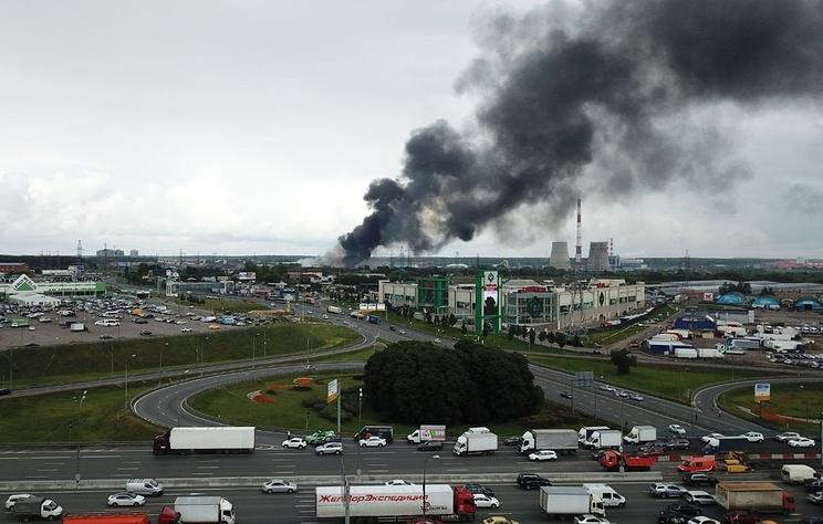 ГИБДД перекрыло движение на участке Осташковского шоссе из-за пожара на ТЭЦ