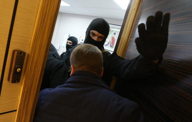 В администрации Колпинского района Петербурга проходят обыски
