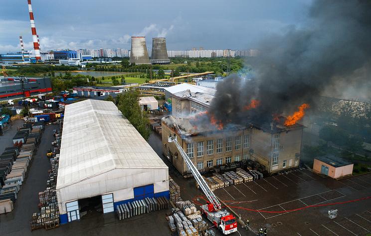 """Пожар рядом с ТЭЦ """"Северная"""" в Мытищах. Фото"""