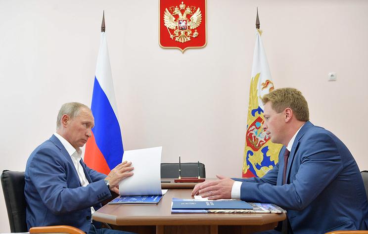 Путин принял отставку губернатора Севастополя Овсянникова. Врио стал Развожаев