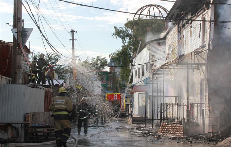 Пожар в зданиях рядом с центральным рынком в Перми потушен