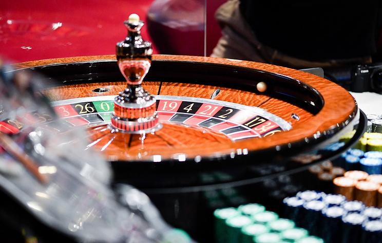 Искусственный интеллект впервые обыграл в покер одновременно пять человек