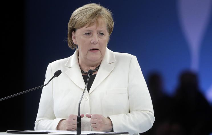 Эксперт рассказала, что повторяла Меркель во время последнего приступа дрожи