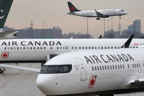 Мощная турбулентность посреди океана устроила хаос в салоне самолета