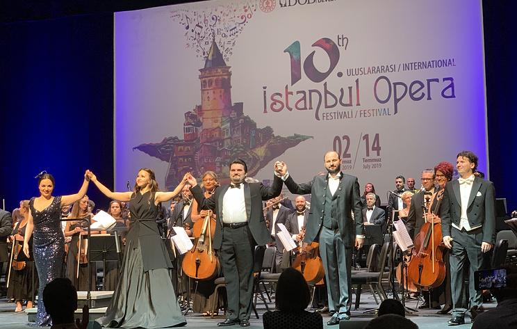 Солисты Большого театра с триумфом выступили в Стамбуле