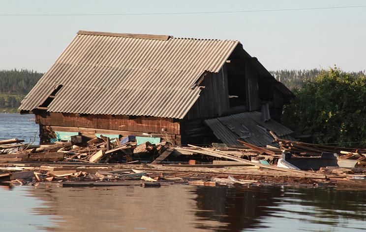 Мэр пострадавшего от паводка района Иркутской области ушел в отставку