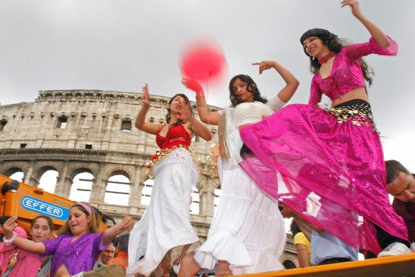 Власти Италии всерьез возьмутся за цыган