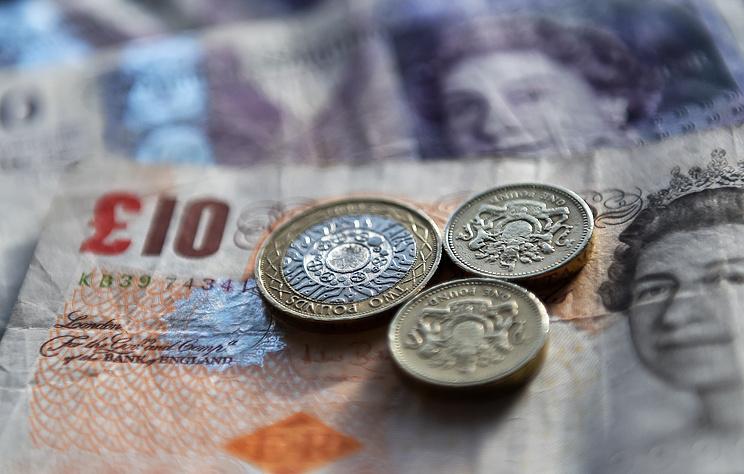 Курс фунта стерлингов достиг двухлетнего минимума из-за угрозы Brexit без сделки