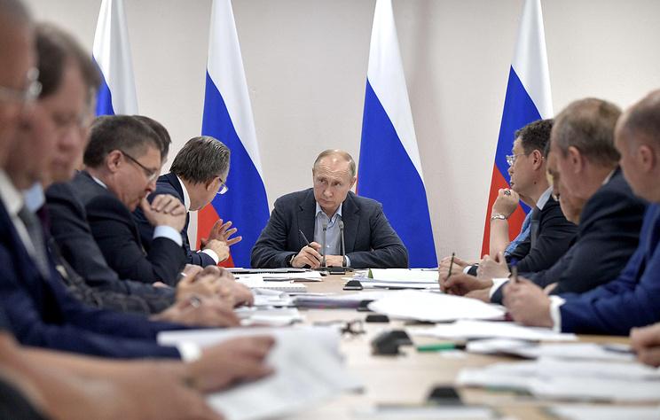 Путин раскритиковал ход работ по ликвидации последствий паводка в Иркутской области