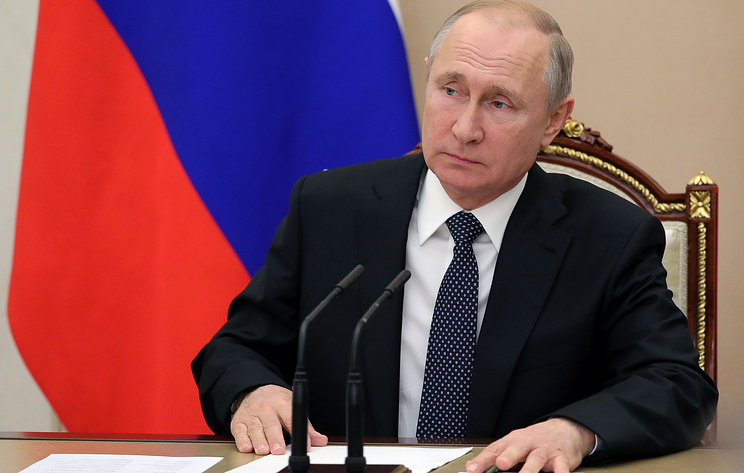 Путин ввел режим электронной визы для иностранцев, приезжающих в Санкт-Петербург